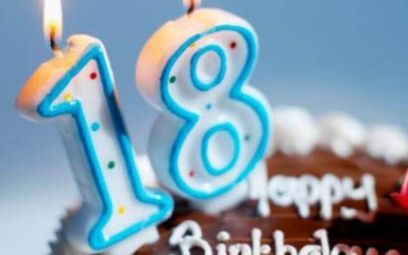 Invitation anniversaire 18 ans : textes et messages d'invitation 18 ans