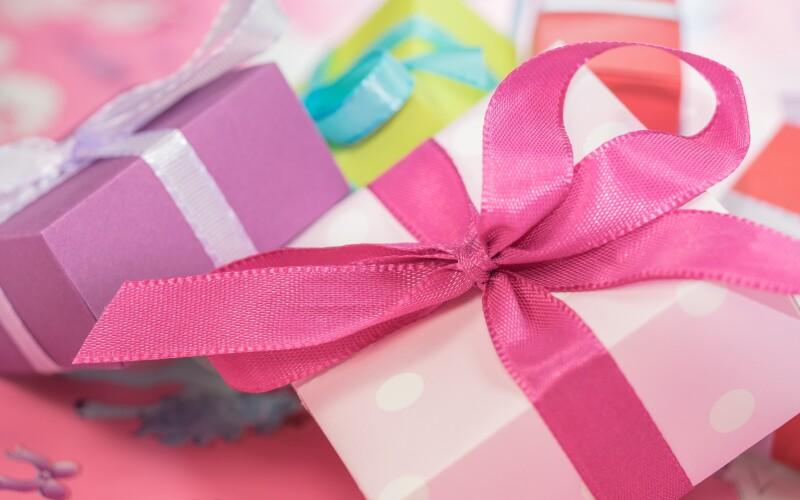 Idées de cadeaux pour femmes, cadeaux originaux et insolites