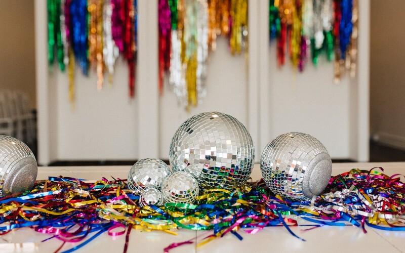 Idées de soirées nostalgiques :  Soirée disco,  Années 80 et 90's