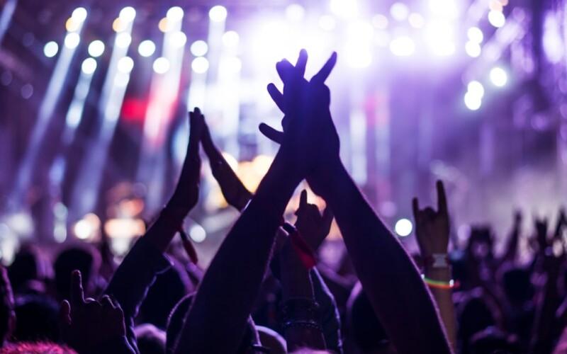 Organiser une soirée étudiante : Nos idées et conseils pour bien la réussir